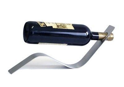 Nerezový stojan na víno - vlna